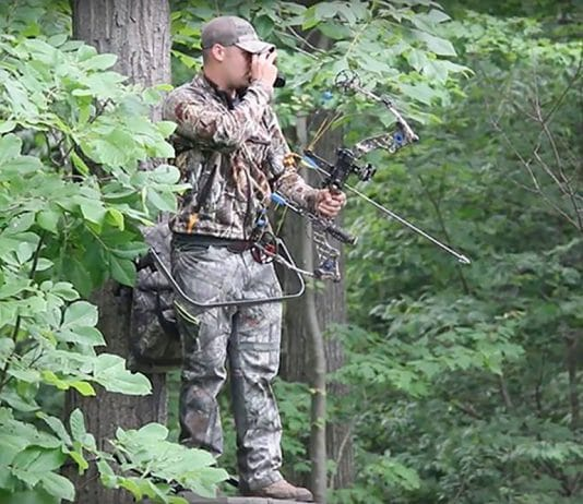 10_Must_Have_BowHunting_Gear-Bow_hunter