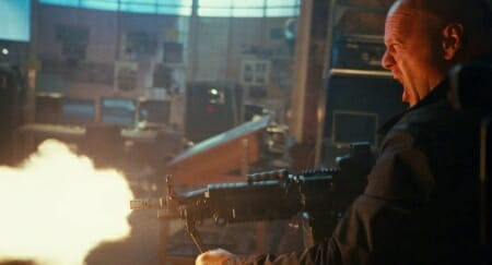 McClane fires the M249 Paratrooper. Note the improved handguard with picatinny rails that is similar to current-U.S military issued M249s_imfdb